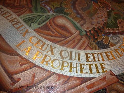 Detalle del mosaico veneciano en Saint Christophe