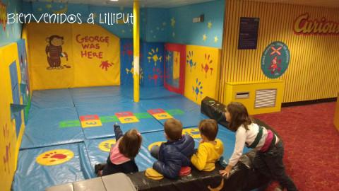 Sala de juegos en el ferry Balearia