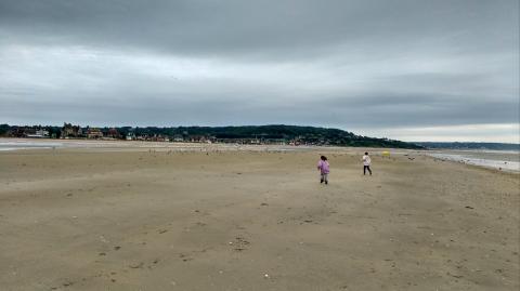 Corriendo por la playa de Deuville